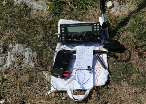 Shack on Mt Vial with KX3 and enhanced RHM8B antenna